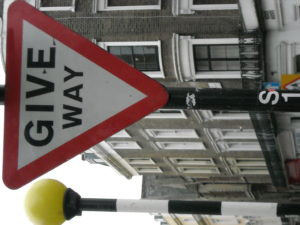 (BrE) Give Way