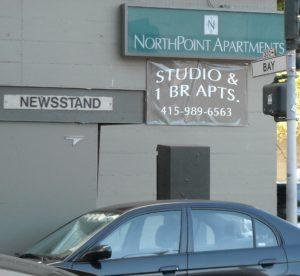 (AmE) newsstand